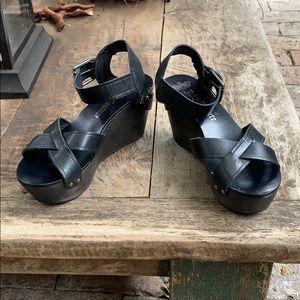 Juicy Couture wooden platform sandal size 7.